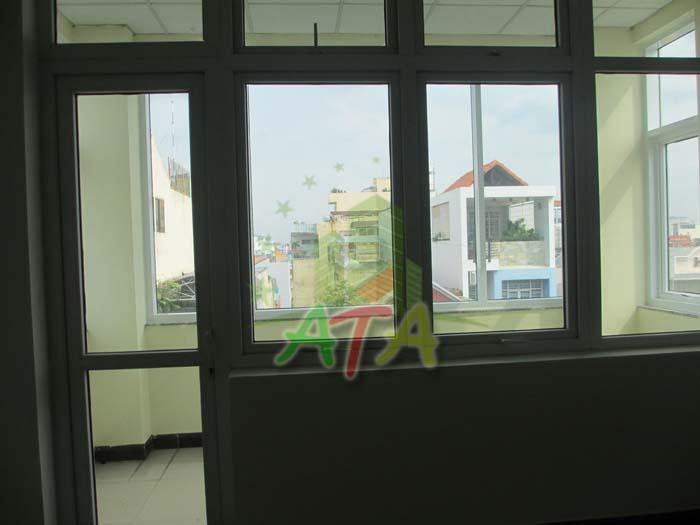 Hướng view của tòa nhà văn phòng LCT Building ra trung tâm thành phố