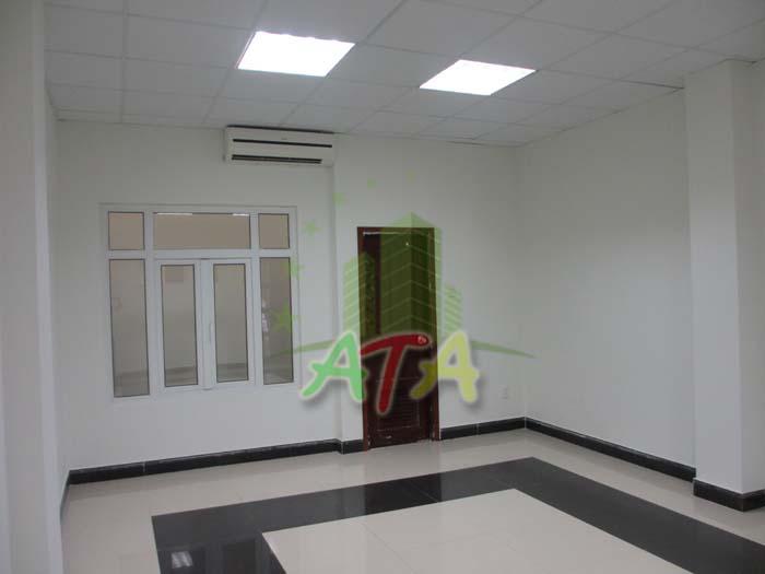 Hệ thống máy lạnh trung tâm được LCT trang bị cho văn phòng giúp doanh nghiệp thuê thoải mái khi làm việc