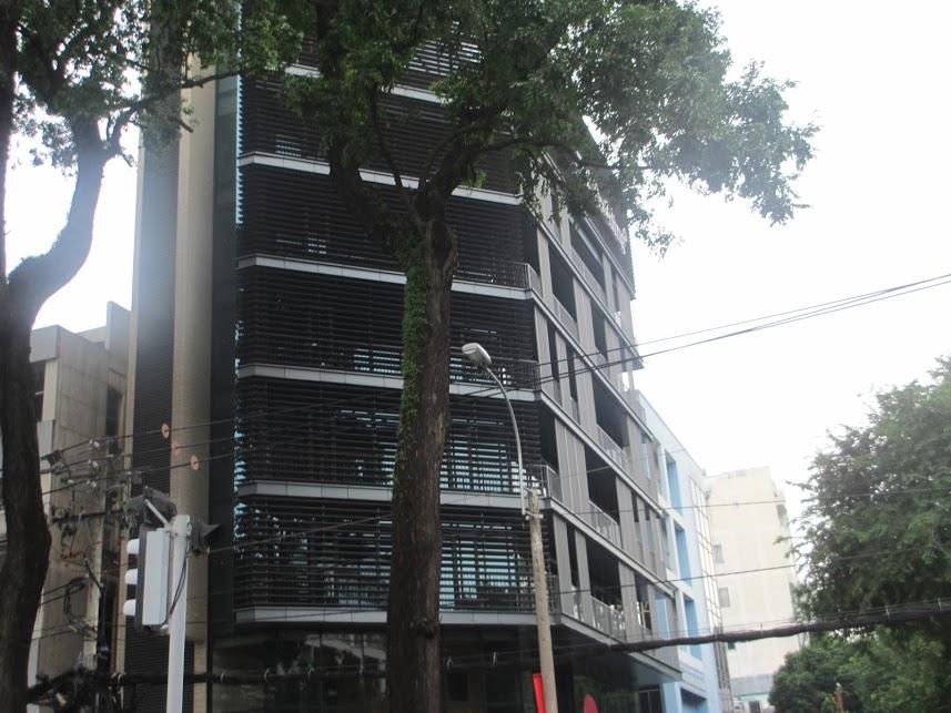 Tòa nhà PT Building, đường Võ Văn Tần, quận 3