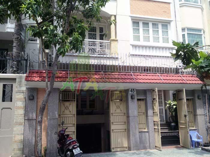 Cho thuê tầng trệt, tầng 1 bên trong nhà Biệt thự, đường Hoa Mai