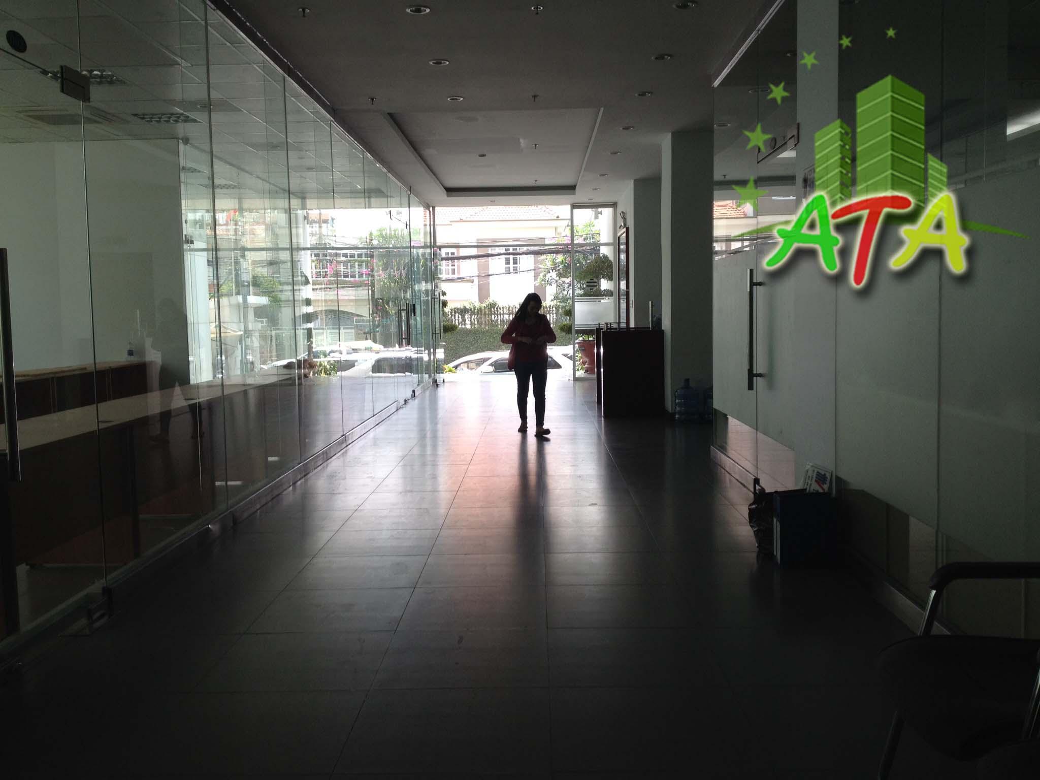 văn phòng cho thuê quận Tân Bình, Tòa nhà báo pháp luật đường Hoàng Việt quận Tân Bình, ngay sân bay Tân Sơn Nhất, office for lease in Tan Son Nhat airport